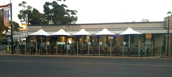 Moonta hotel