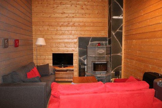 salon avec chemine perfect tuvat petit coin salon avec chemine with salon avec chemine cool. Black Bedroom Furniture Sets. Home Design Ideas