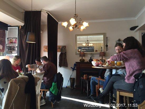 cafe mozart w rzburg kardinal faulhaber platz restaurant bewertungen telefonnummer fotos. Black Bedroom Furniture Sets. Home Design Ideas
