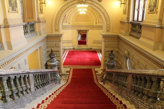 قصر كوتروسني