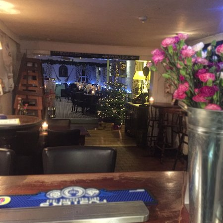 Burgess Hill, UK: The restaurant looking beautiful at xmas time