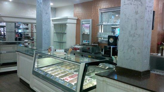 Veranda Cafe & Restaurant: veranda