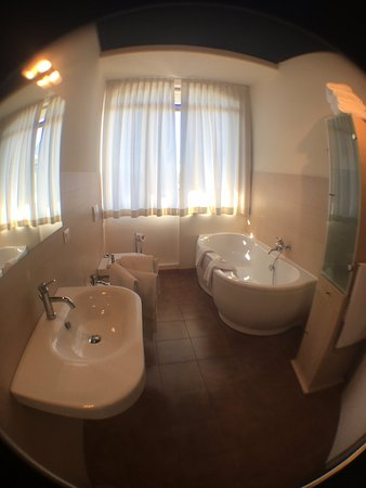 Deanna Golf Hotel: bagno Camera Superior