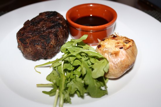 Alfredo's Steakhouse: photo2.jpg