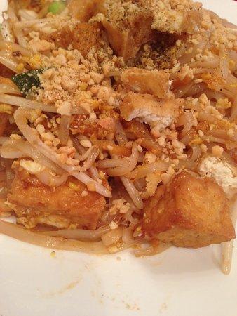 Ginger Thai: Tofu Pad Thai