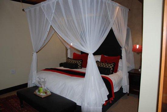 Addo, Republika Południowej Afryki: großes Doppelbett mit guter Matratze