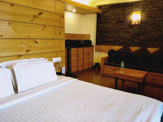 Kapil Hotel: IMG_20170127_154324_large.jpg