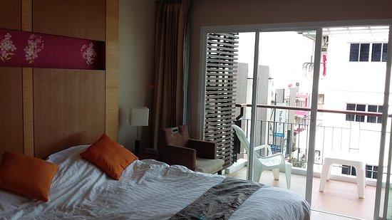 Andakira Hotel Patong: 20170126_112316_large.jpg