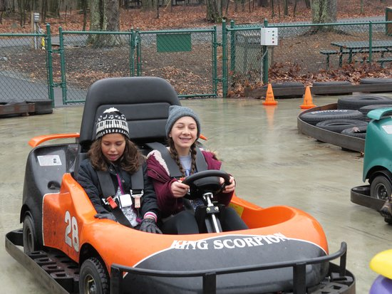 Woodloch Pines Resort: Two kinds of go karts....one for the kiddies & one more sophisticated