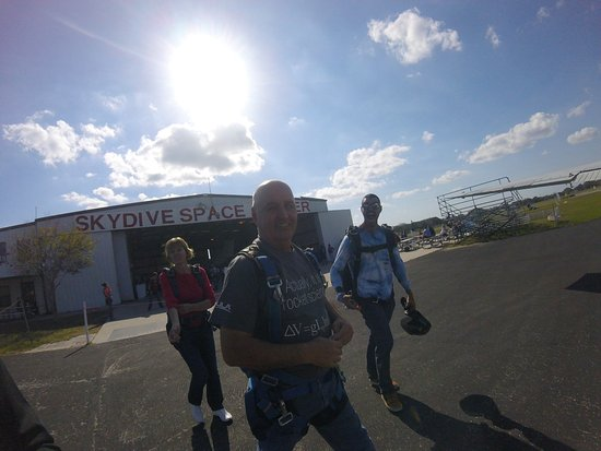 Skydive Space Center: Getting on the King Air to fly from 15,000 feet