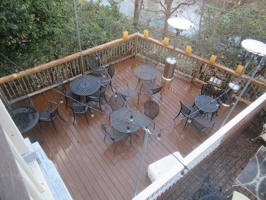 Ordinaire Inn On The Riverwalk: Main House Patio Deck