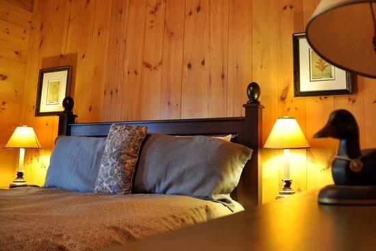 Ferme-Neuve, Canada: Chambre lit queen en chalet