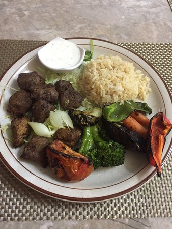 Fogelsville, Pensilvanya: Lamb kabobs and chicken kabobs