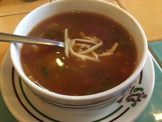 Nahar Sidewalk Cafe : minestrone soup