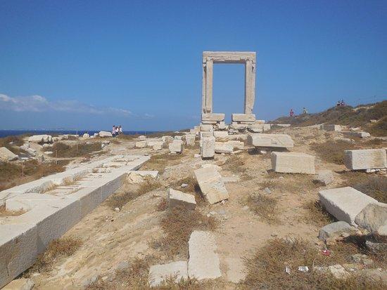 Portara: Giant arch of Temple of Delian Apollo, Naxos