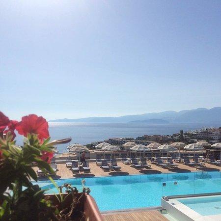 """Elounda Ilion Hotel: Хороший отель. Номер у нас был просторный, но немного уже """"уставший"""", требует косметического рем"""