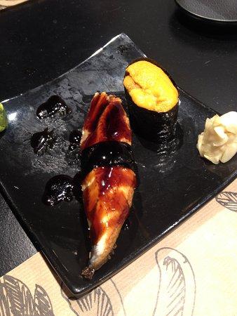 Kiko Sushi Bar Sushi con anguilla, carnosissima e con una salsina quasi  caramellata sopra