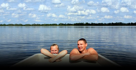 Salesville, AR: Lake Norfork offers be the best in swimming and boating!