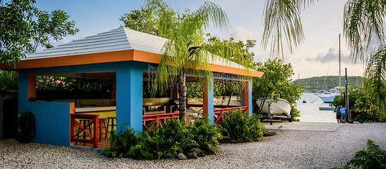 Hostal Casa Culebra: The gazebo has a full kitchen and gas grill for the exclusive use of our guests.