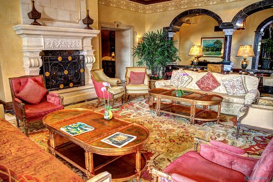 Fairmont Grand Del Mar: Lobby lounge.