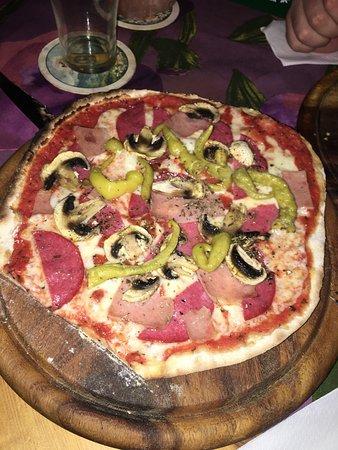 Pizzeria senza nome: photo1.jpg
