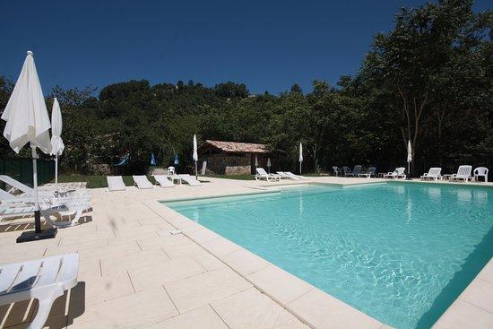Largentiere, Francia: Notre grande piscine chauffée