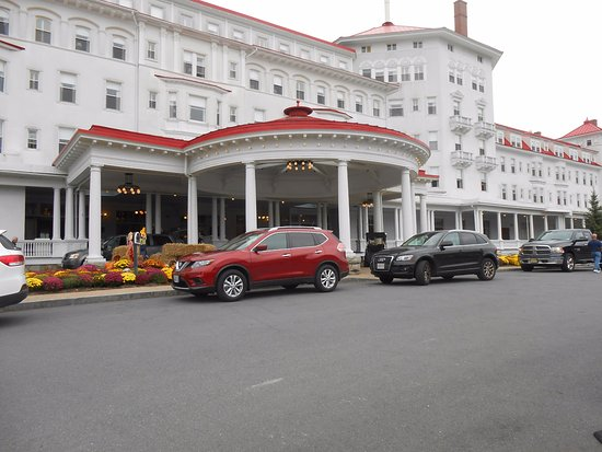 Omni Mount Washington Resort: Front Entrance