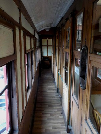 Tyabb, Australien: Down the corridor of the railway carriage