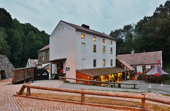 Housuv mill