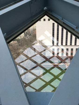 Seattle Public Library: Reflections of the structure!