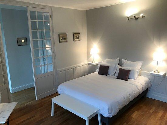 Villa clement sens appart 39 hotel saint cl ment france for Appart hotel 95