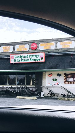 Rayne, LA: Candyland Cottage & Ice Cream Shoppe