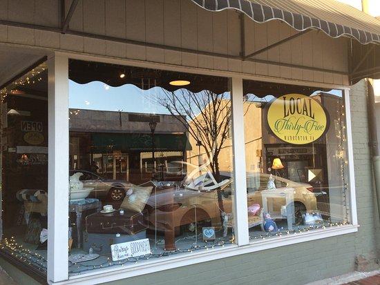 Warrenton, VA: store front