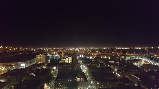 Loews New Orleans Hotel: Right side window view from Room 2114 (nighttime)
