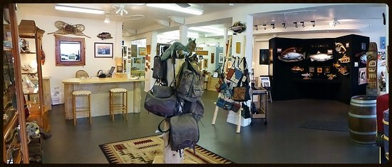 Gig Harbor, WA: Interior of main showroom. We have 1600+ square feet with over 50 local PNW artists!