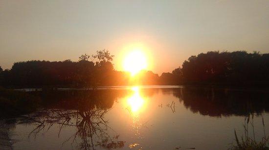Radom, Pologne : Zachód słońca nad zalewem Borki