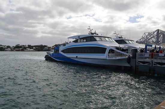 Гамильтон, Бермуды: Waiting to depart Hamilton