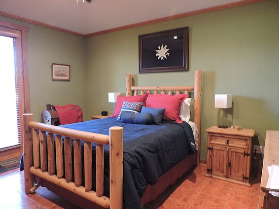 "Yorktown, TX: ""Texas"" Bedroom"