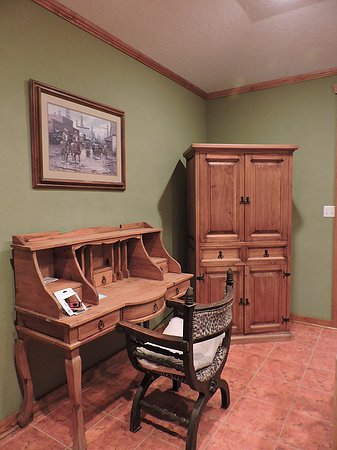 "Yorktown, TX: Desk in ""Texas Room"""
