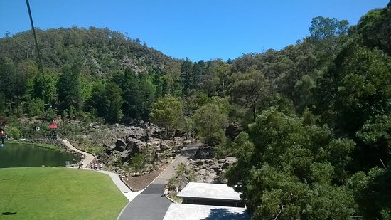 Riverside, Australia: on the lift across Cateract Gorge