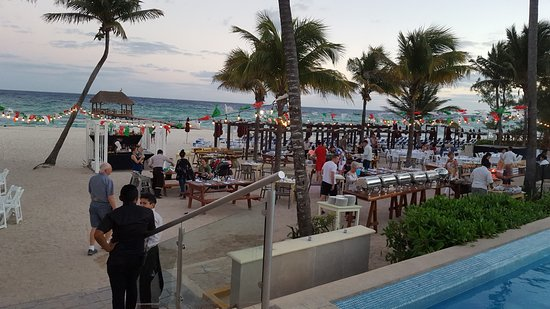 The Fives Azul Beach Resort Playa Del Carmen Mexican Bbq On Weddings