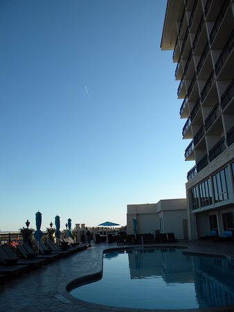 Атлантик-Бич, Флорида: Nice pool view up & down beaches, gorgeous.