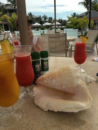 Ocean Club Cabana Bar & Grill: photo0.jpg