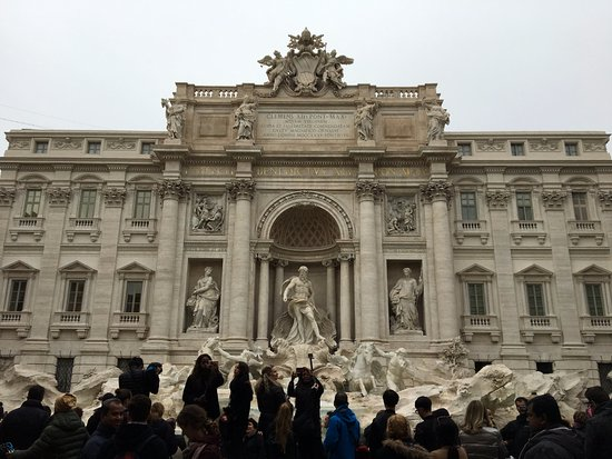 Exclusive Rome Tour - Tours: Trevi with the crowds