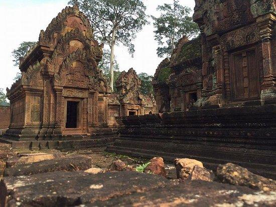 ท่าสม เกสท์เฮาส์: Banteay Srei temple in Siem Rea, Cambodia