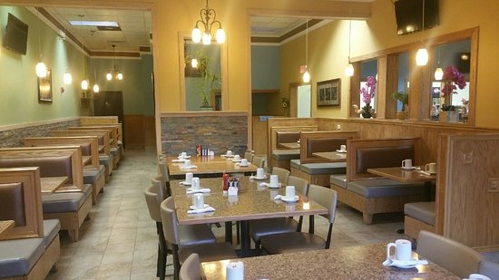 South Elgin, IL: Briana's pancake cafe