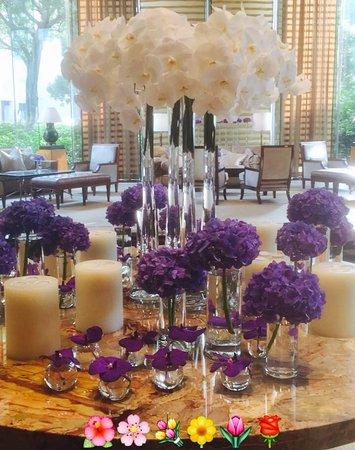 lobby flowers... kind of underwhelming considering we are in HKG!