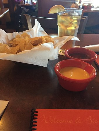 Columbus, TX: chips and salsa