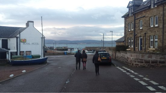 Cromarty, UK: Port area near restaurant.