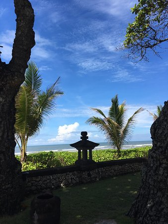 The Oberoi Bali: Stunning hotel, grounds and lovely rooms